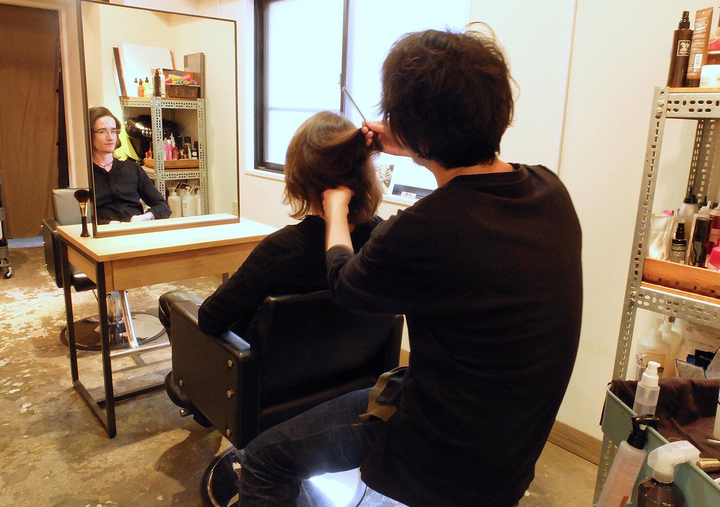 東京都内の英語が通じる美容室で、理想の髪型になろう!